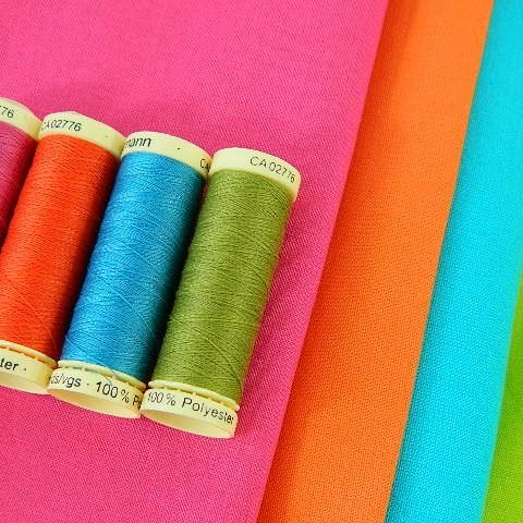 Rainbow_threads_and_fabric