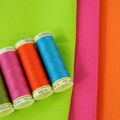 coloured_thread_bright_fabric