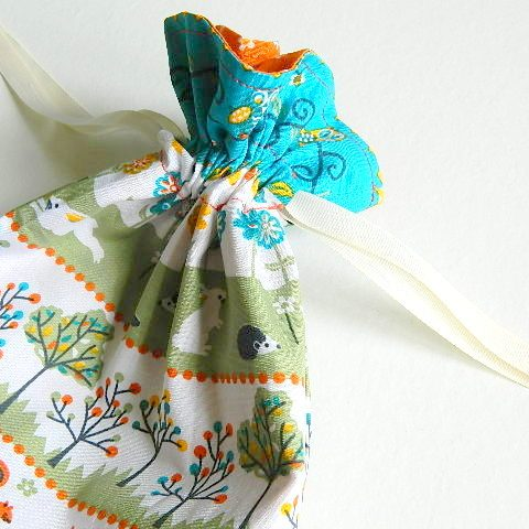 close_up_of_drawstring_bag_building_my_dream