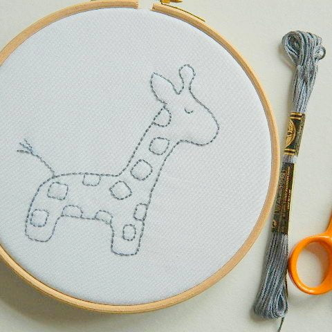 alfie_giraffe_embroidery_pattern